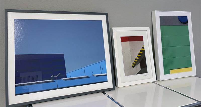 Marcus Metzner - Fotografie - v.l.n.r.: Blue Roofs (2016), Colour Code Information (2020), Color/Shape Condition (2020)